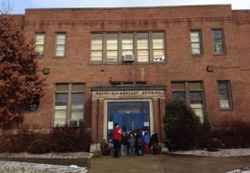 Three more Kanawha schools close over water