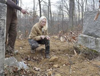 WV Confederate veteran's grave desecrated - West Virginia