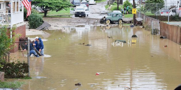 West Virginia residents told to stay away from cleanup areas
